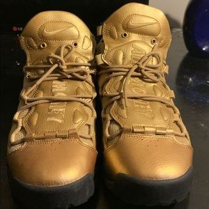 Air More Money 'Metallic Gold'